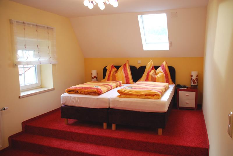 superior 2 4 bett top komfort zimmer nr 1 im 1a hotel. Black Bedroom Furniture Sets. Home Design Ideas